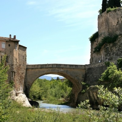 Roman bridge in Vaison La Romaine
