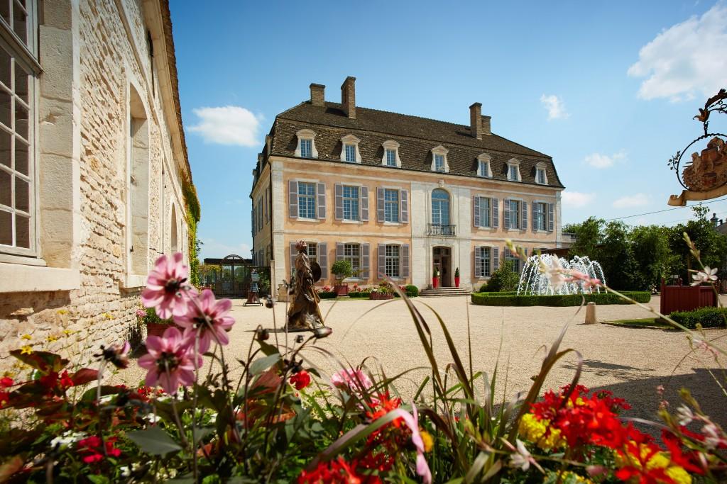 (C) Chateau de Pommard