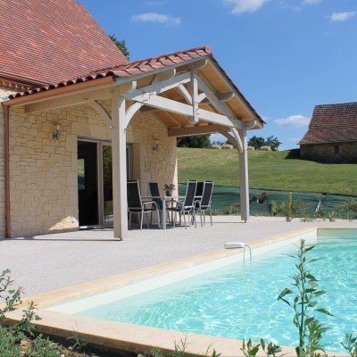La Petite Sarladaise - pool and house